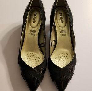 c3ed9a93eeb East 5th. black gloss   fake snake skin dress pump